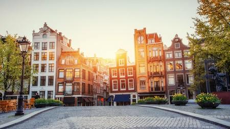 Explore the Surinamese dining scene in Amsterdam