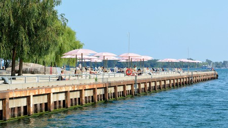 Sugar Beach is one of many free activities in Toronto