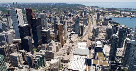 Discover Toronto by taking a guided tour of its various attractions