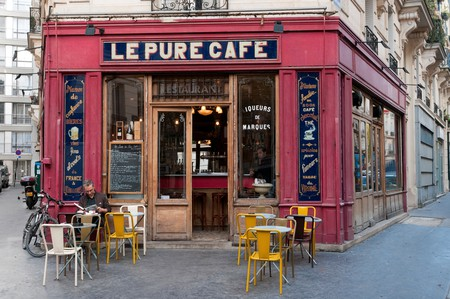 Relax with a coffee and a bite to eat on your solo trip to Paris