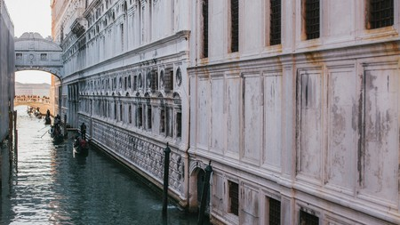 Find the best place to rest your head after a day visiting renowned sights like the Bridge of Sighs