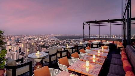 Mahanakhon Bangkok SkyBar lies on the 76th and 77th floors of the King Power Mahanakhon building