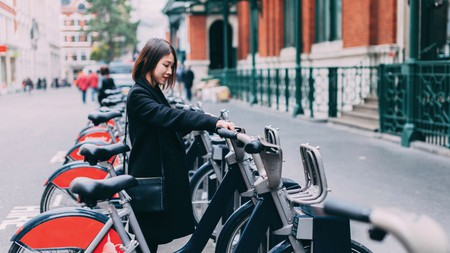 With more than 750 docking stations across the city, Santander Cycles are the most readily available bikes in London