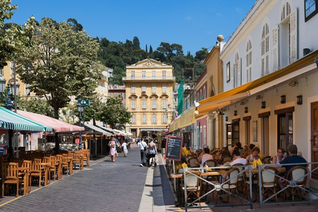 Find somewhere to eat in Nice's old town