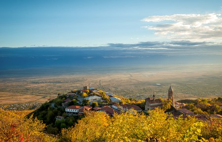 The charming town of Sighnaghi overlooks the Alazani Valley