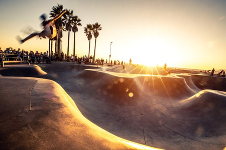 Skaters in Venice Beach skatepark - Los Angeles - USA