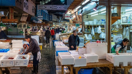 Fishmongers at Tsukiji Fish Market