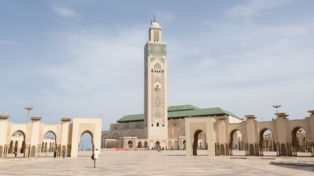Casablanca is filled with fascinating attractions, like Mosque Hassan II, but is also within easy reach of many more