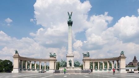 Discover the Hungarian capital's key landmarks, including Heroes' Square, without even leaving the house
