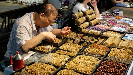 At Jianguo Jade Market, you can find not only jewellery, but an array of teapots, combs and other curios as well