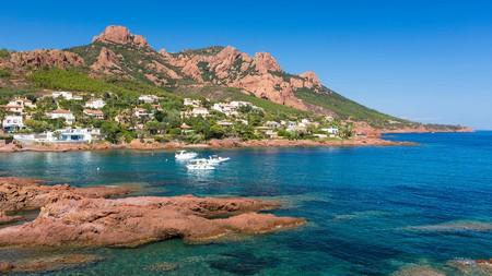 Soak up the great outdoors in the Massif de l'Esterel near Cannes
