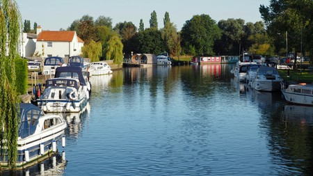Keep your carbon footprint minimal by renting a houseboat on the Norfolk Broads |