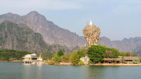 Kyauk Ka Lat pagoda in Hpa-An, Myanmar