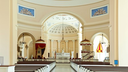 Incredible sights like the Baltimore Basilica make the city a history buff's dream