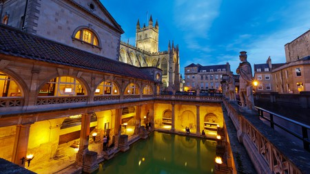 Bath has a thriving nightlife scene, which includes a night-time a tour of the Roman Baths