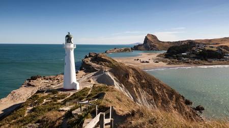 The Castlepoint Lighthouse overlooking Wellington's breathtaking coastline | © All Canada Photos / Alamy Stock Photo