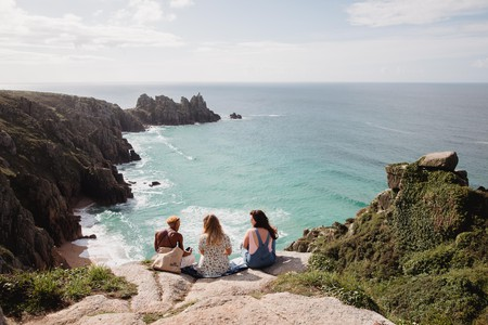 Reconnect with nature and embrace the beauty of the Atlantic Ocean in Cornwall