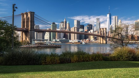 For such an urban environment, New York has many green spaces, including Brooklyn Bridge Park