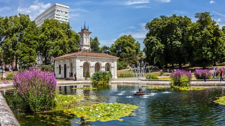 Check out the serene Italian Gardens in Kensington Gardens