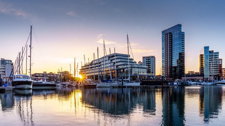 At Ocean Village, overlooking Southampton marina, you'll find a great choice of shops and restaurants