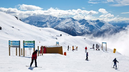 Treble Cone on the South Island is among the top spots for snowboarding in New Zealand
