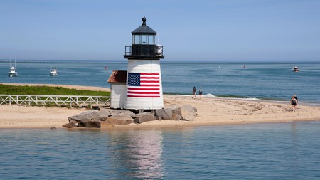 The coastal towns of Massachusetts, including Nantucket, offer relaxing beaches and historic landmarks