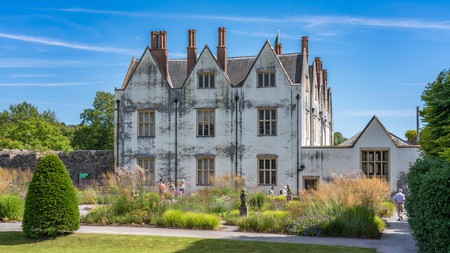 See recreations of old schools, butchers, bakers, ironsmiths and workmen's institutes, as well as St Fagans Castle, at the St Fagans National Museum of History