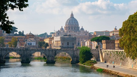 Rome might be an expensive city, but that doesn't mean you can't visit on a shoestring