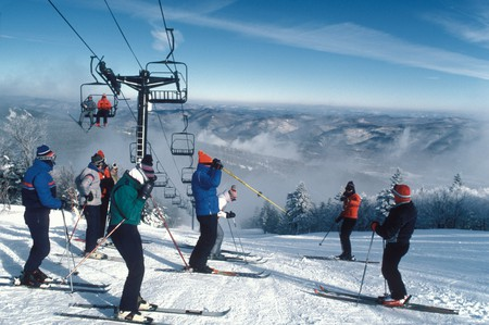 Skiing at Killington VT skiers ski