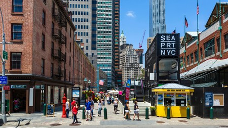 The South Street Seaport district offers a great variety of dining options in Lower Manhattan