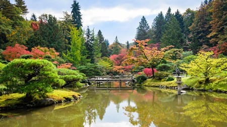 The Japanese Garden is one of the top attractions to see in Seattle
