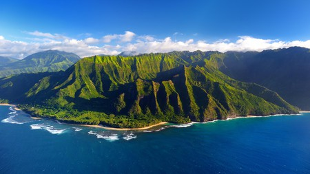 Top things to do in Hawaii include a tour of the spectacular Na Pali coast on the island of Kauai