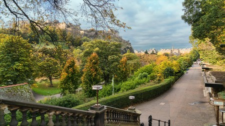 Edinburgh's green spaces transform into brilliant shades of red, orange and yellow in autumn