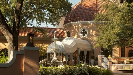 The Rosewood Mansion on Turtle Creek offers a luxurious stay