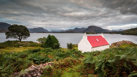 Escape to one of Scotland's charming cottage rentals