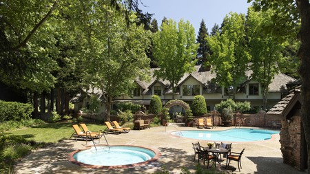 There are plenty of luxurious hotels nestled amongst the vineyards in Napa Valley