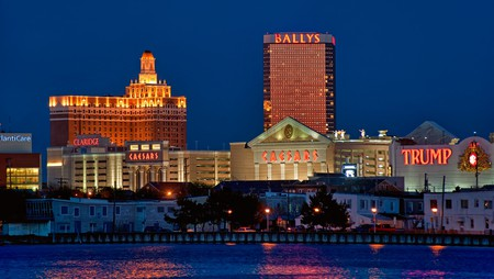 The best casinos in Atlantic City offer plenty of amenities and entertainment to go with the gambling opportunities