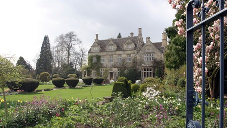 Barnsley House, in a beautiful setting near Bibury, is ideal for a relaxing stay in the Cotswolds