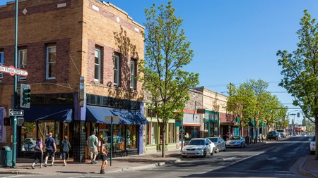 Flagstaff offers a wide range of accommodation for both vacationers and those on business