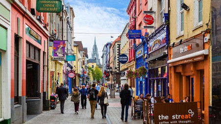 Cook Street, at the heart of the city, is where you'll find some excellent dining stops