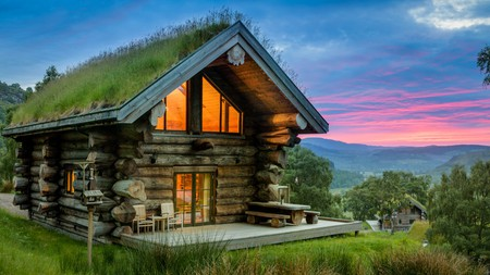 Eagle Brae is an ecolodge nestled in the Scottish Highlands