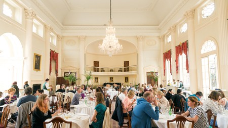 Listen to live music while enjoying afternoon tea at the Pump Room