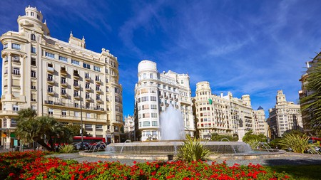 Find the perfect place to stay in Valencia on a budget