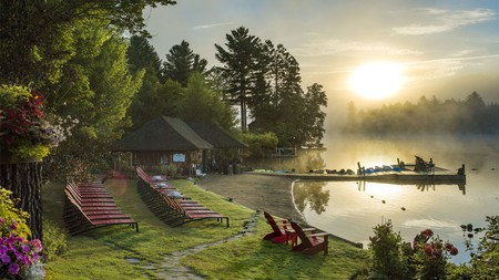Mirror Lake Inn Resort and Spa is a perfect mountain hideaway for families, with fantastic restaurants, a luxury spa, and lake-based activities for the kids