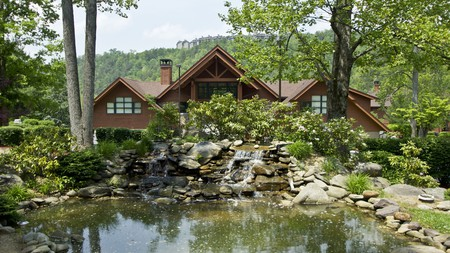 Bent Creek Golf Village in Gatlinburg, Tennessee, is the perfect place for golf enthusiasts