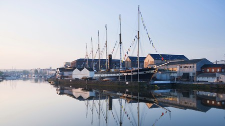 The Floating Harbour is ideal for sailing, rowing, fishing or canoeing during your stay in Bristol