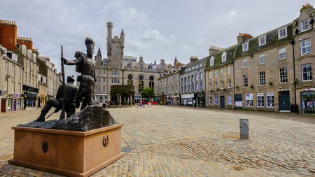 The Granite City of Aberdeen is flush with serviced apartment options in Georgian townhouses – for a remarkable stay in this culture capital
