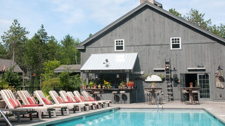 Hidden Pond in Kennebunkport has two pools