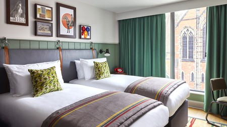 A twin bedroom at the Hotel Indigo Chester