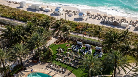 Miami Beach offers all the nightlife and culture of a sprawling metropolis edged by some of the world's best beaches